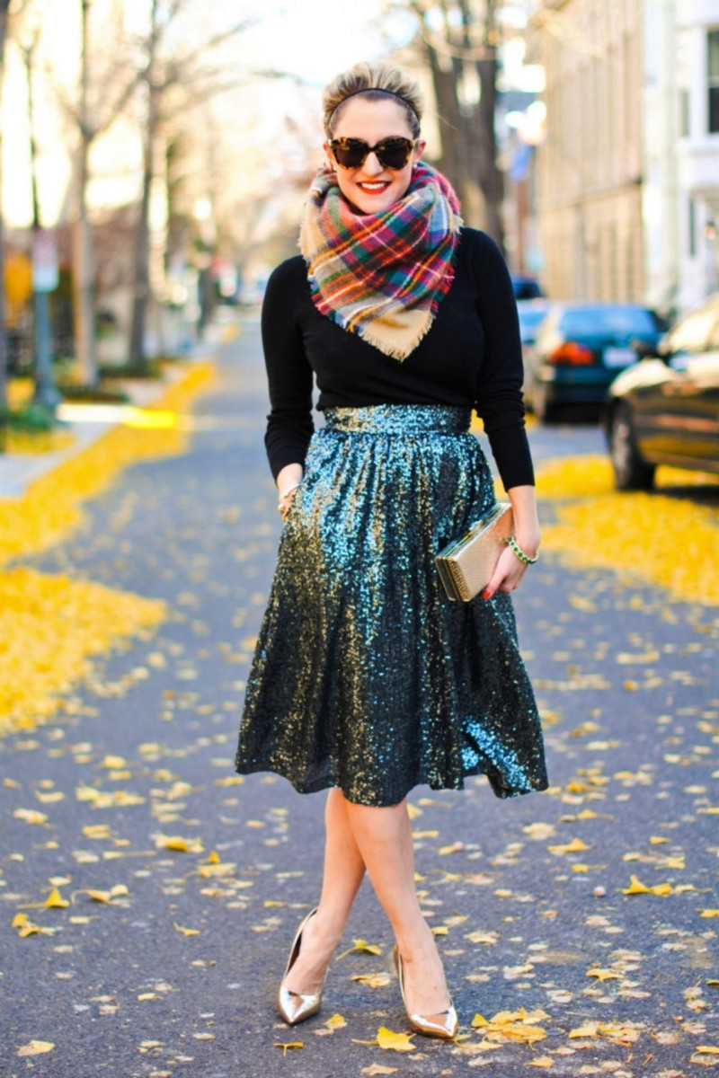 Blue glitter, plaid, knits and gold. Gorgeous!