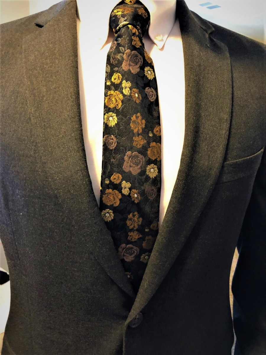 A silk tie with flowers. Exquisite.