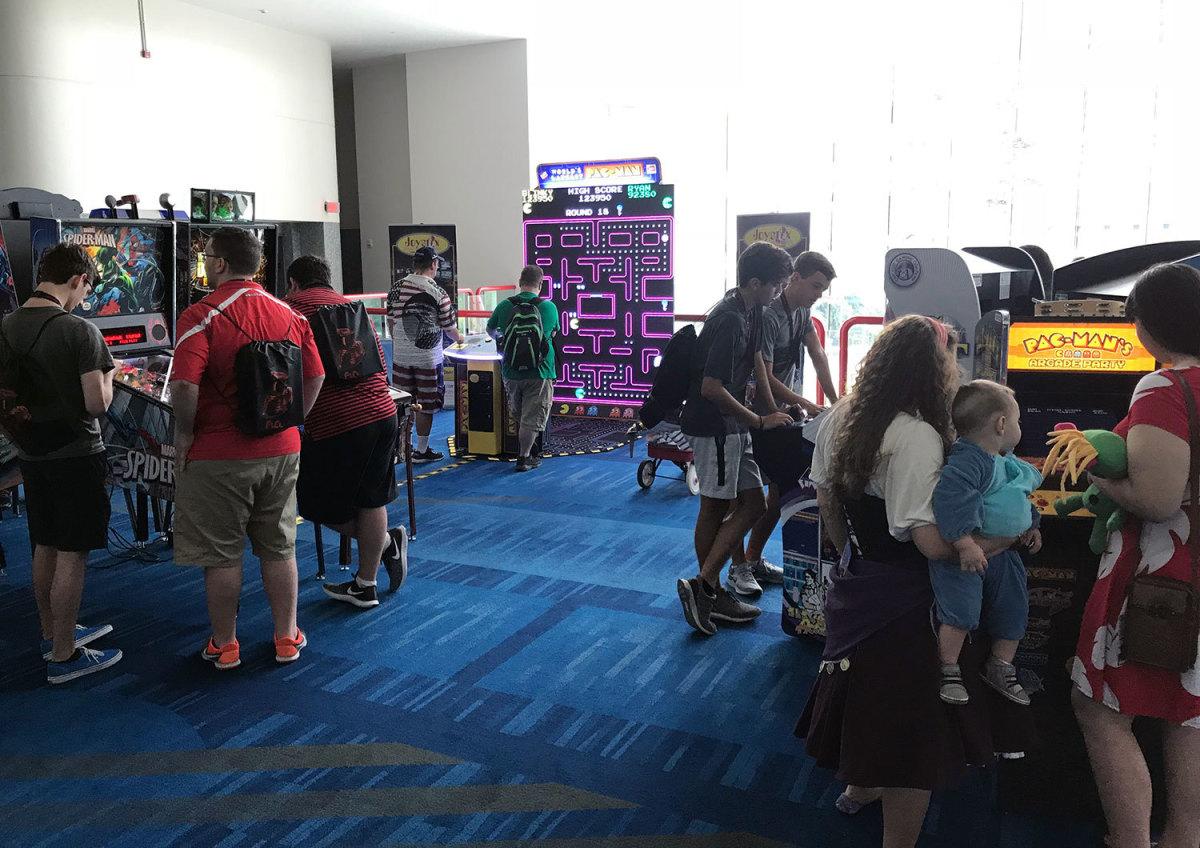 An arcade free for guests at Comicpalooza 2018.
