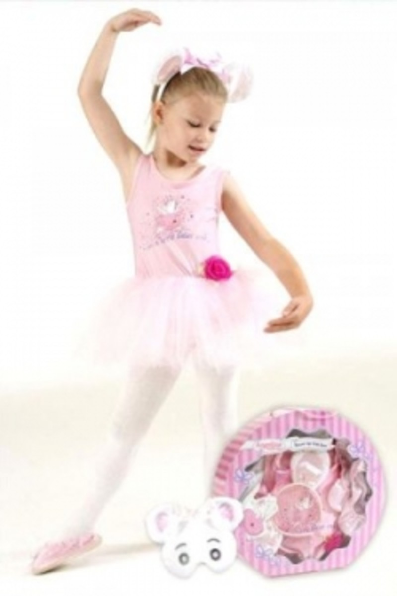 Preparing the Greatest Angelina Ballerina Party Ever!