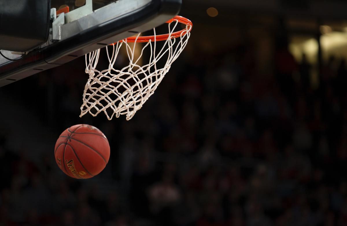 show-me-that-gooseneck-a-basketball-lyric