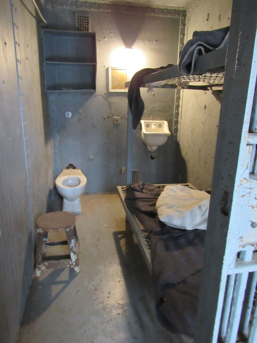 A remodeled cell. This is what a typical cell looked like before the reformatory's deterioration.