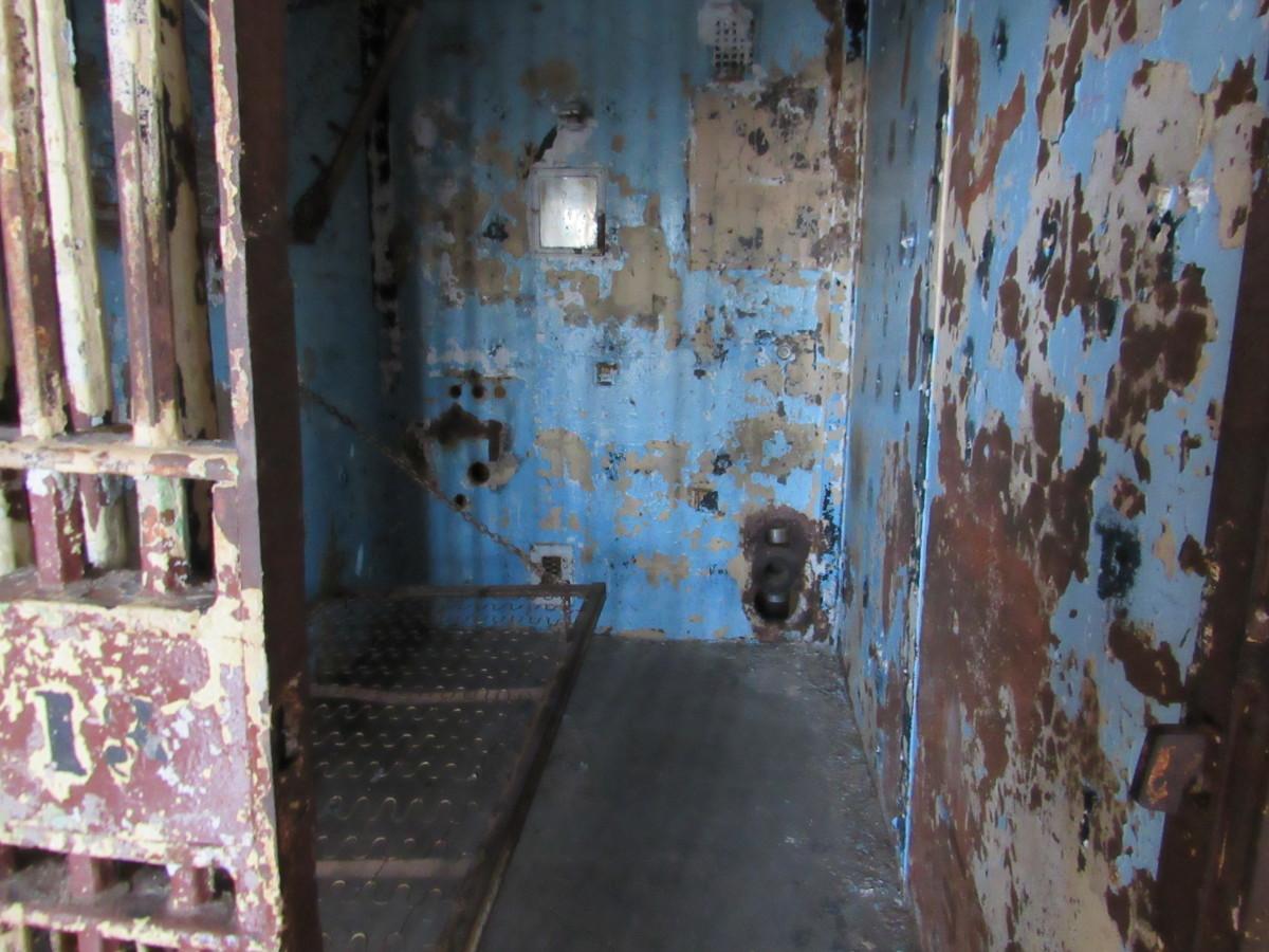 Inside Lockhart's cell