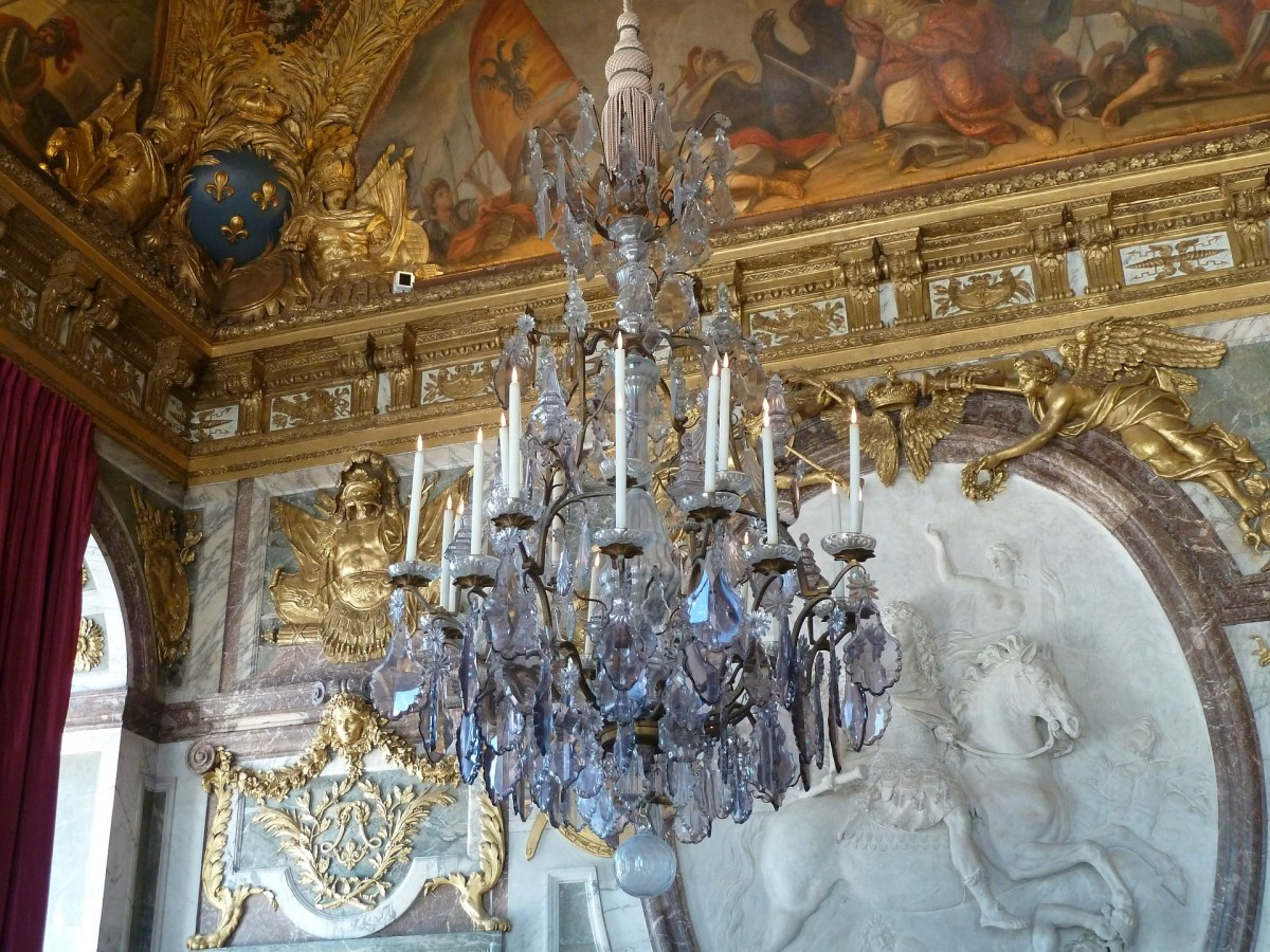 chandeliers-age-of-this-ageless-beauty