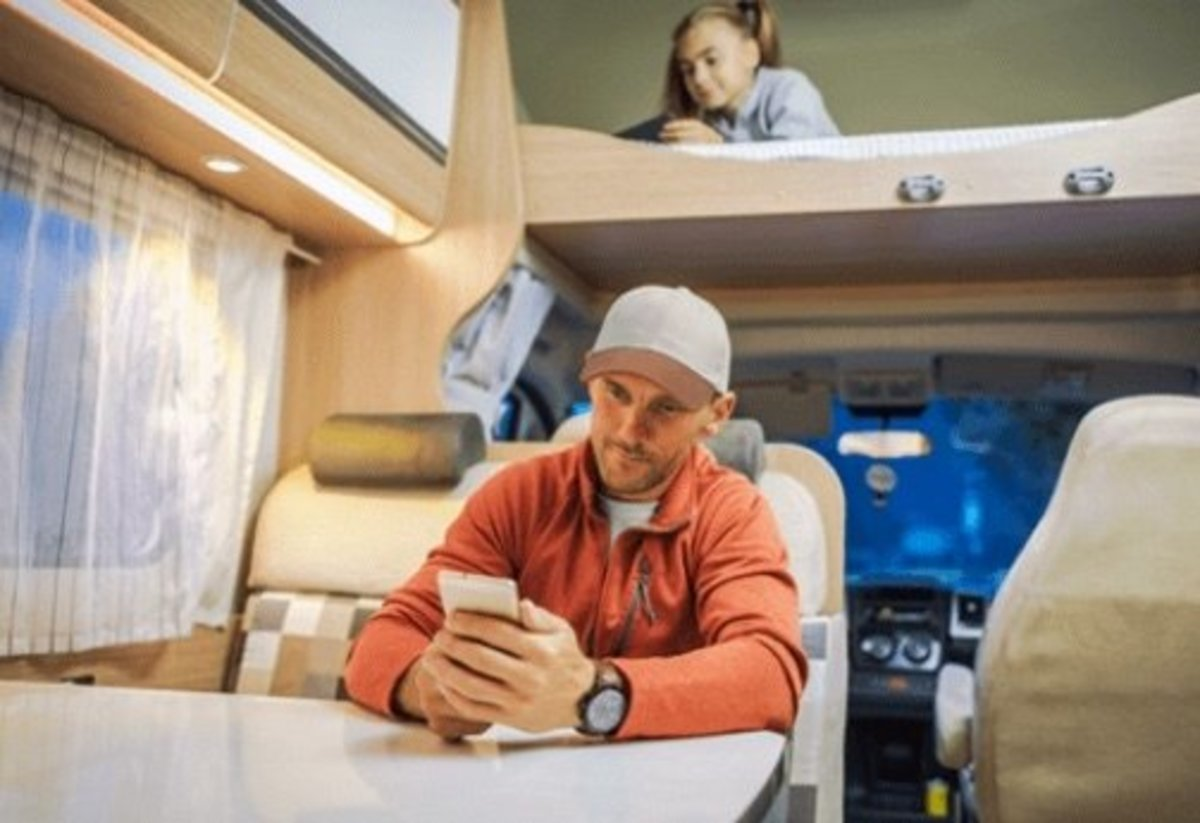 whoever-you-go-the-destination-rv-makes-sure-you-have-a-cellular-connection