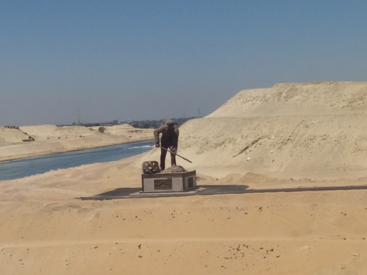 travel-experience-crossing-the-suez-canal-egypt