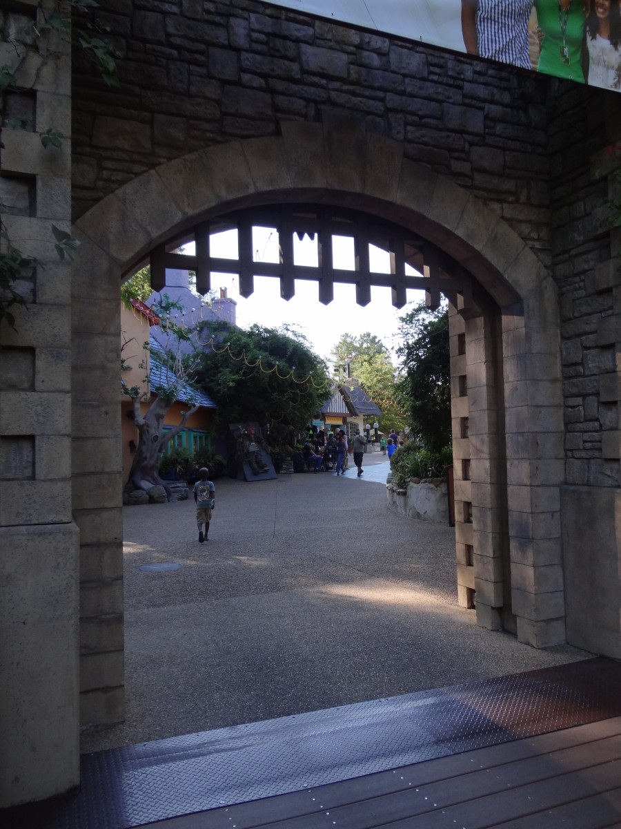 Gated Ireland Entrance, Busch Gardens