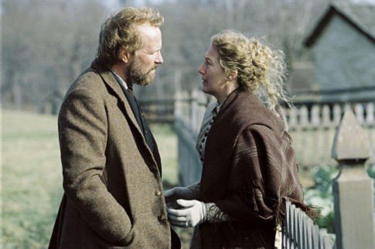 Edward (William Hurt) and Tabitha Walker (Jayne Atkinson) © Touchstone/Blind Edge