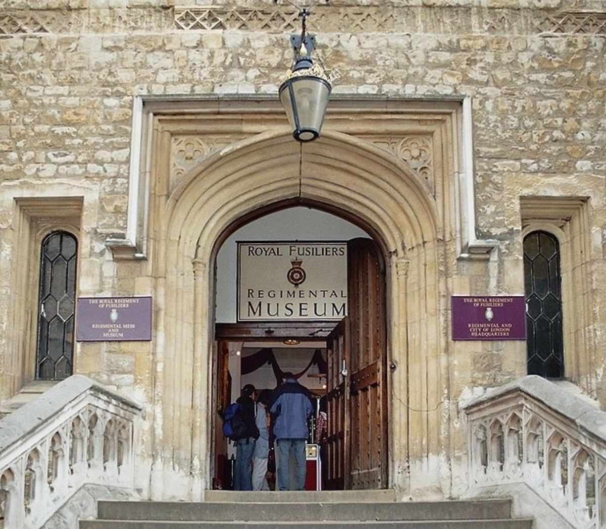 Tower of London: The Royal Regiment of Fusiliers,Mess and Museum