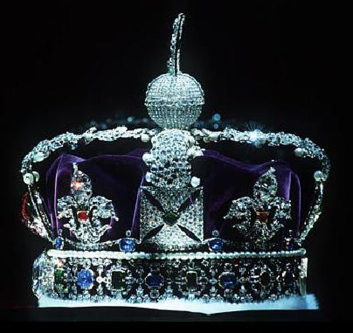 Kohinoor embedded in Imperial State Crown