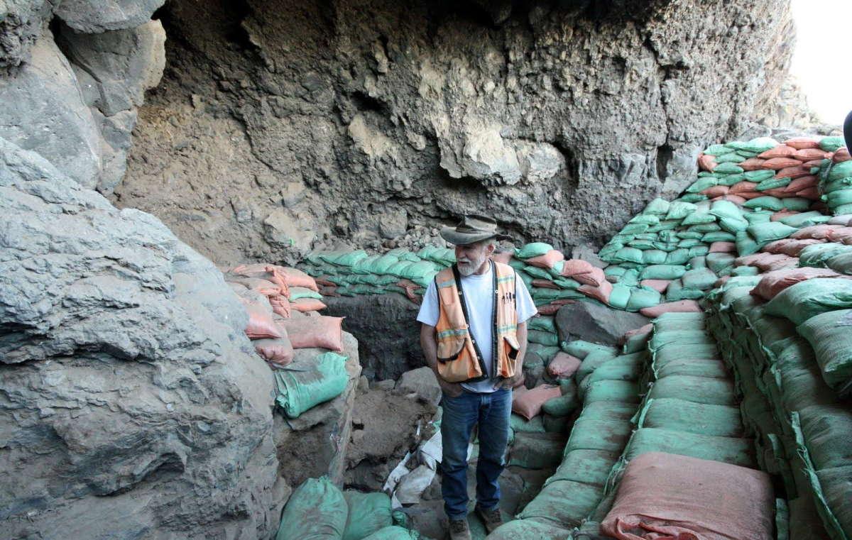 Paisley Caves, Oregon