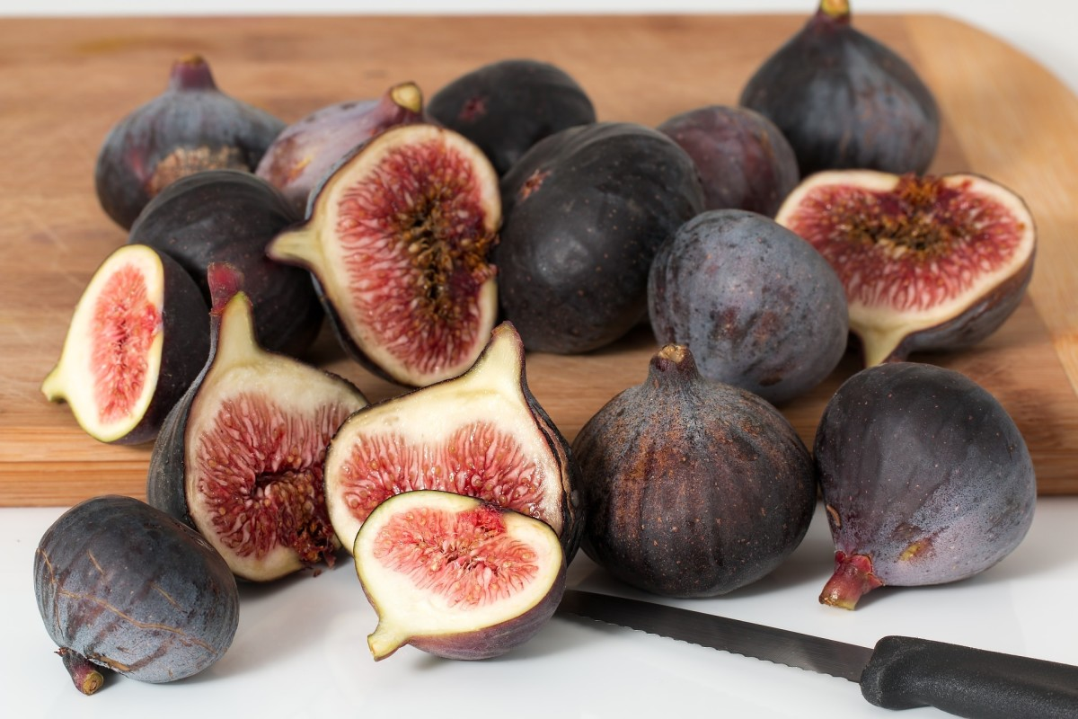 Fresh figs are delicious and nutritious