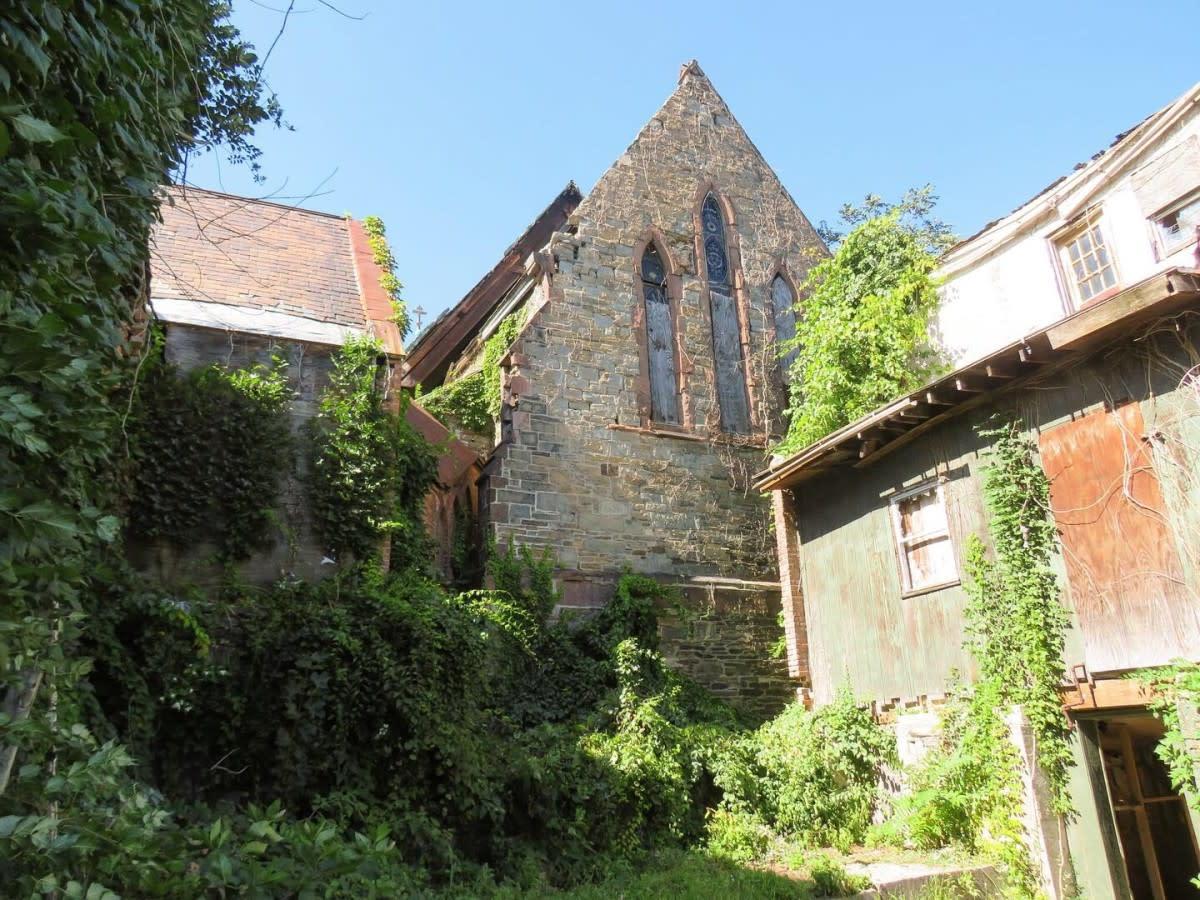 abandoned-church-folklore