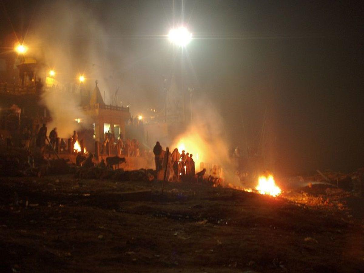 Cremations at the Manikarnika Ghat.