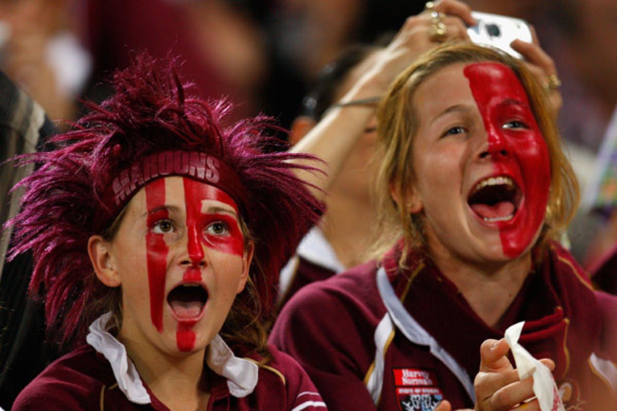 """Maroon supporters shouting """"Queenslander!"""""""