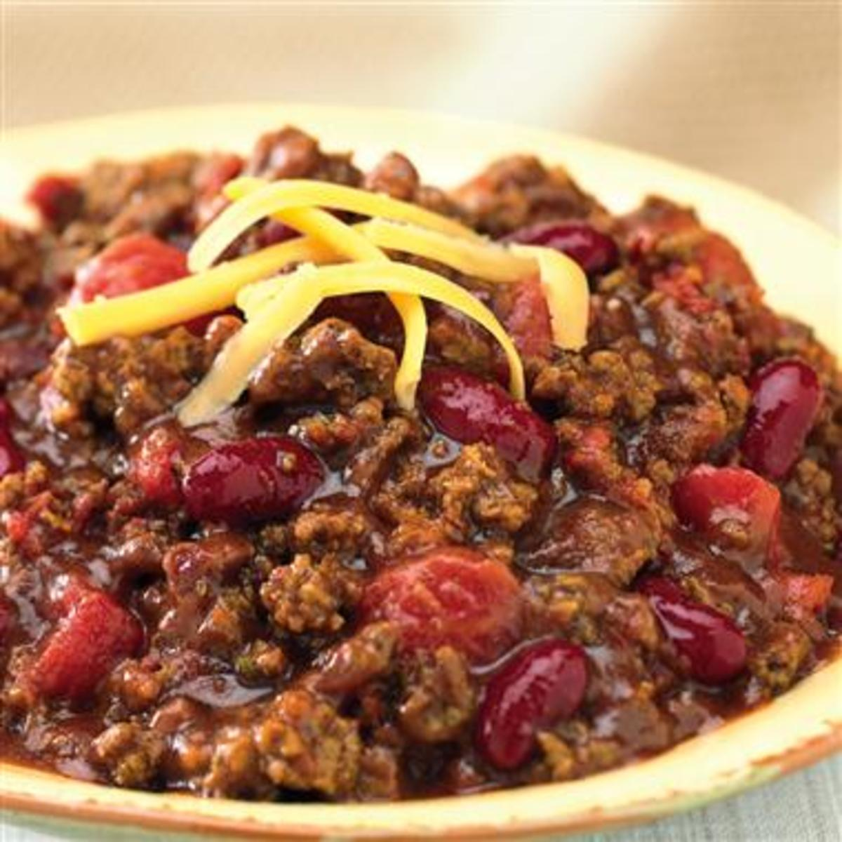 Here is one of the most delicious recipes for slow cooker chili that you will ever eat.