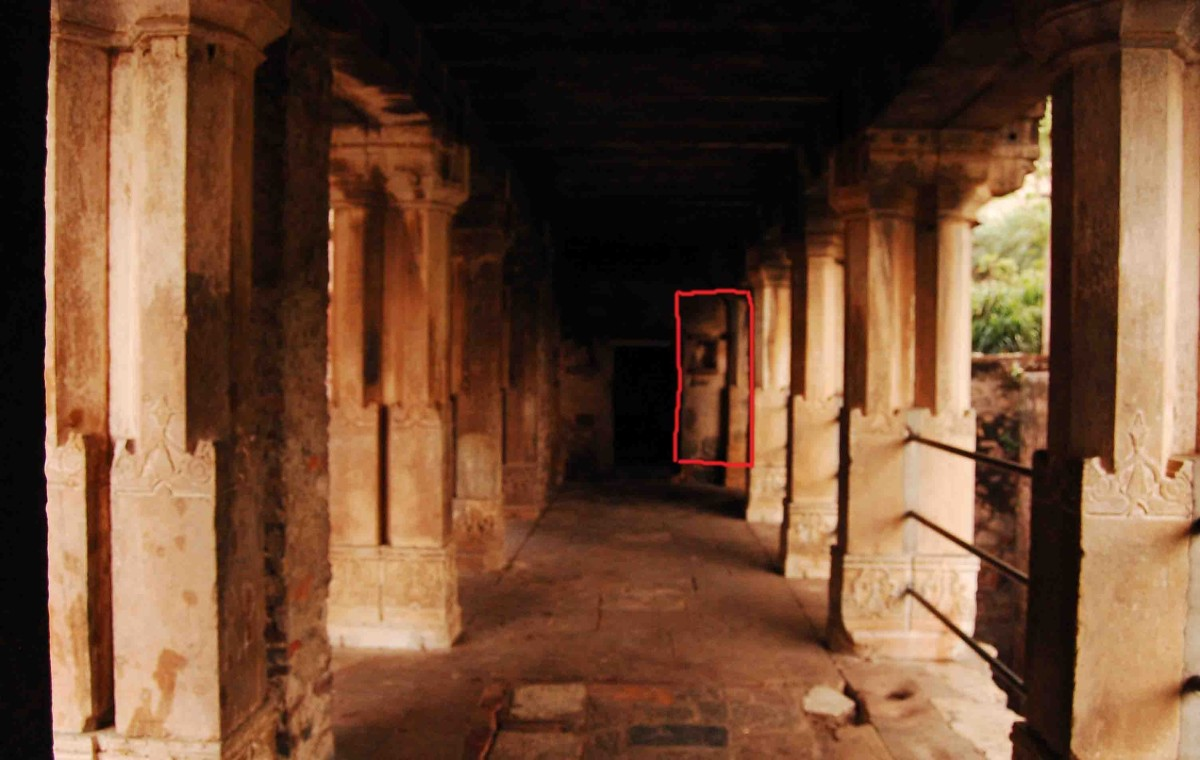 Whenever you enter within the premises of Bhangarh, a sort of restlessness and anxiety overcomes you and you get the feeling that somebody is watching you and following you around.