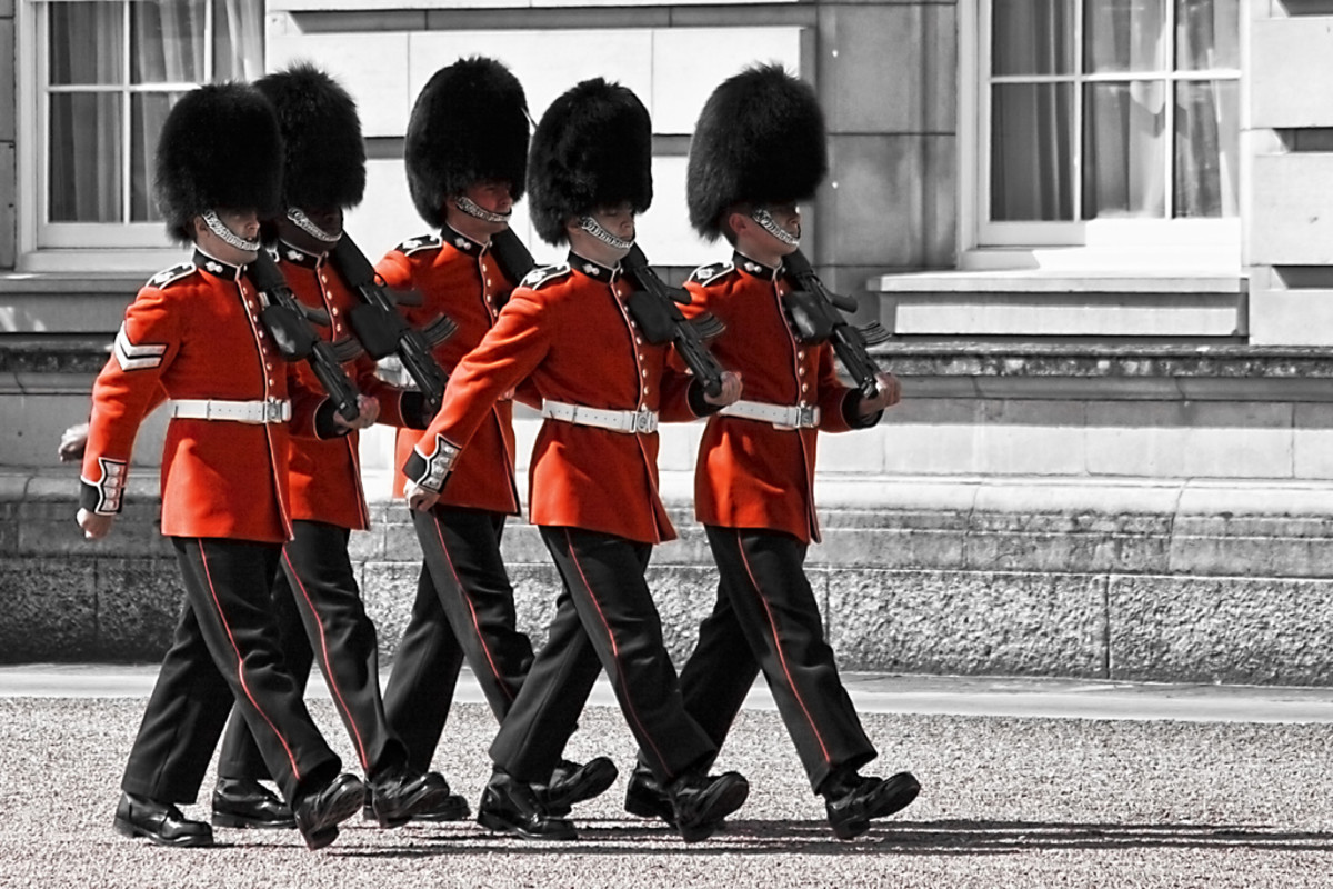 changing of the Royal Guard at Buckingham Palace