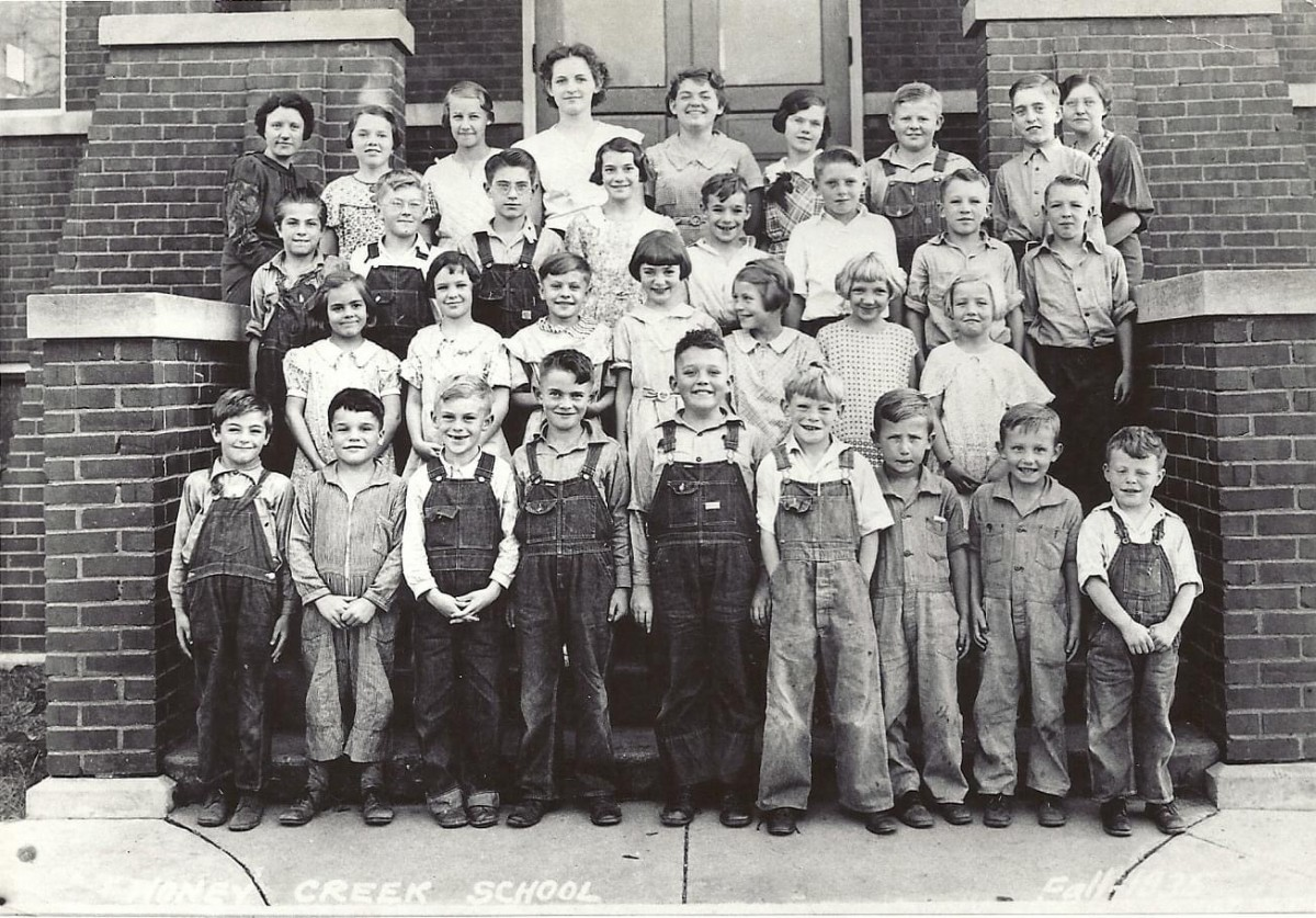 Honey Creek students from 1935