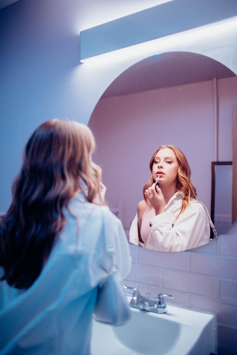 How Do You Make Lip Gloss Last Longer?