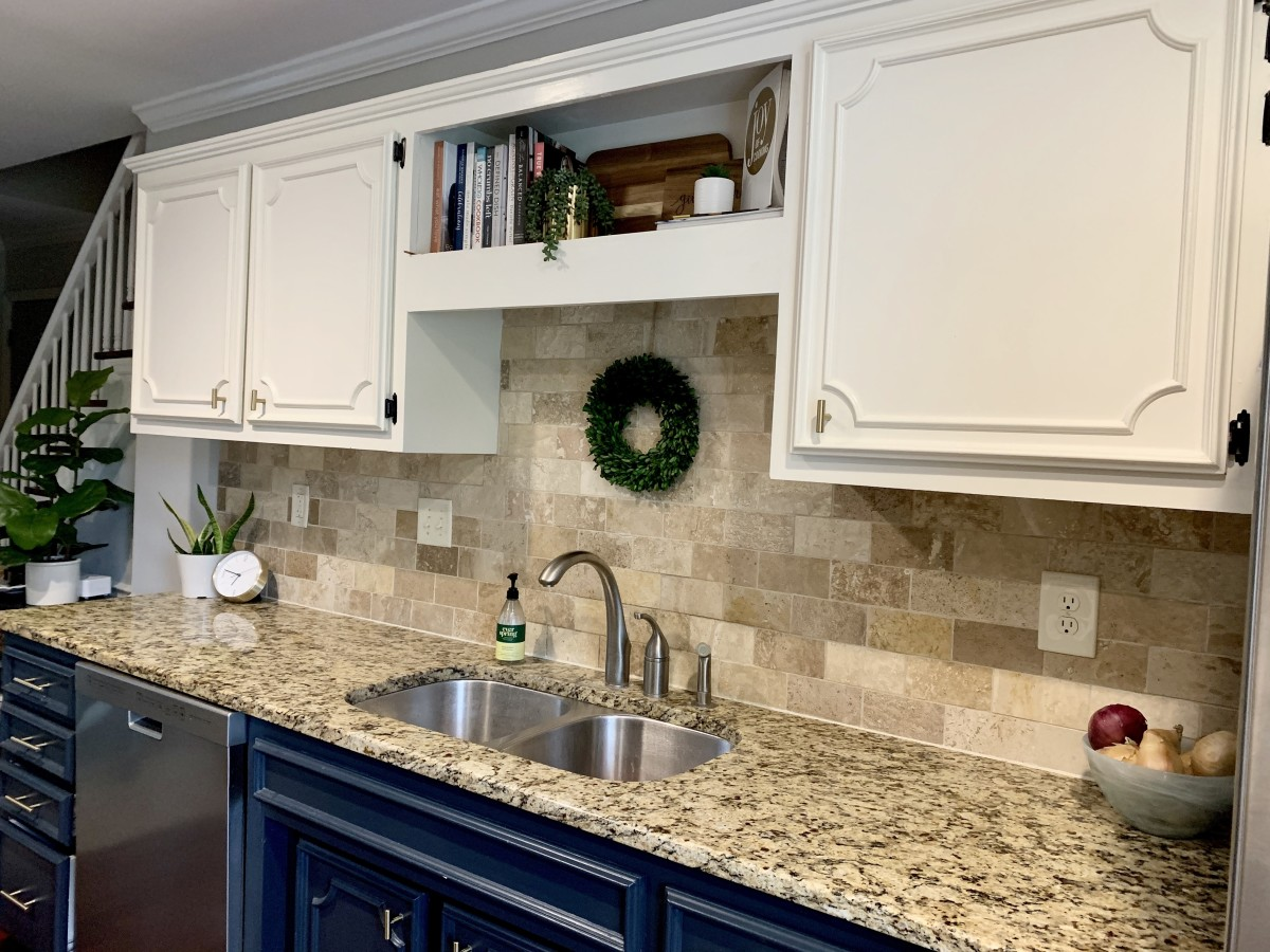 Keeping counter tops de-cluttered provides more workspace and helps the kitchen to feel more spacious.
