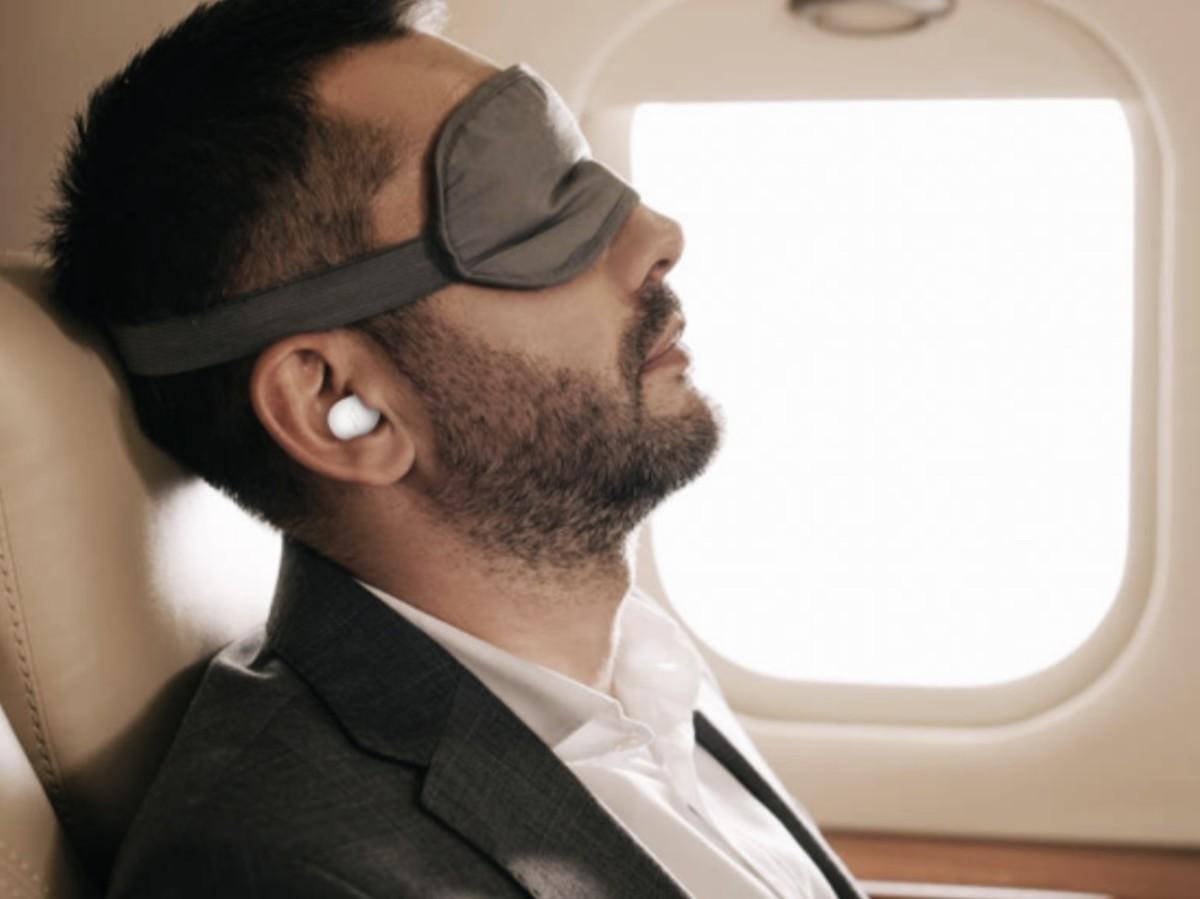 the-comfobuds-z-true-wireless-in-ear-headphones-will-help-you-sleep