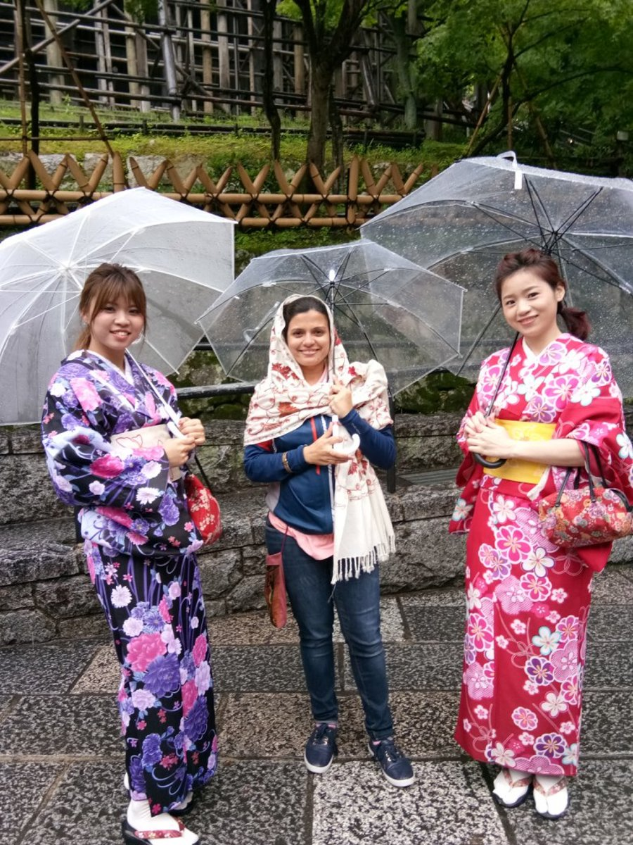 They say these were the beautiful Geishas', I am not sure.