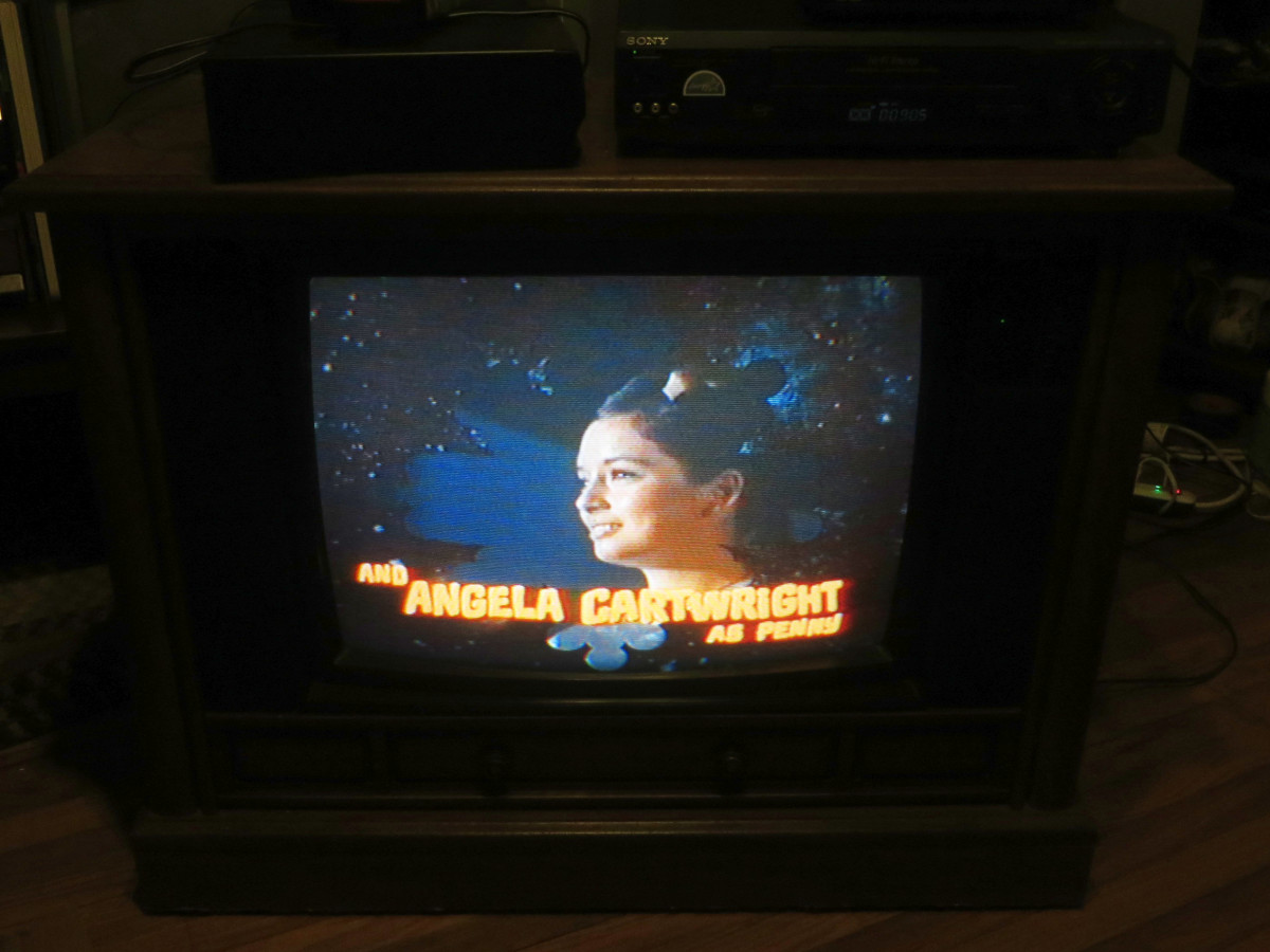 Angela Cartwright as Penny Robinson, She is looking great on the Crosley Television Model CC2546-P102. The Crosley color television was manufactured August 1994 and has the date code 3314W291B