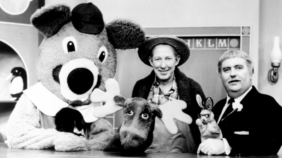 In 1955, the children's television show, Captain Kangaroo, premiered on CBS.