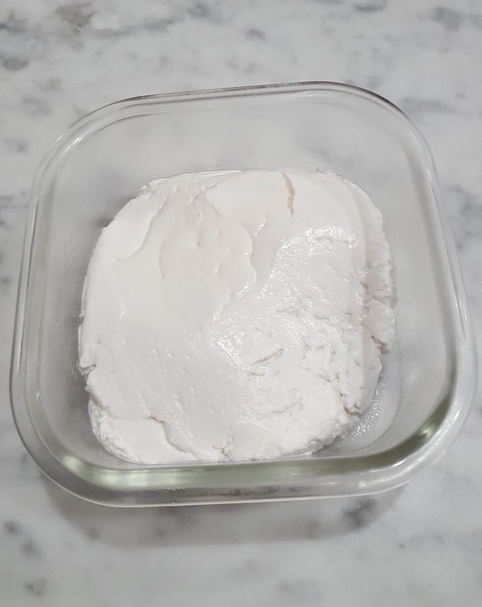 Damp rice flour