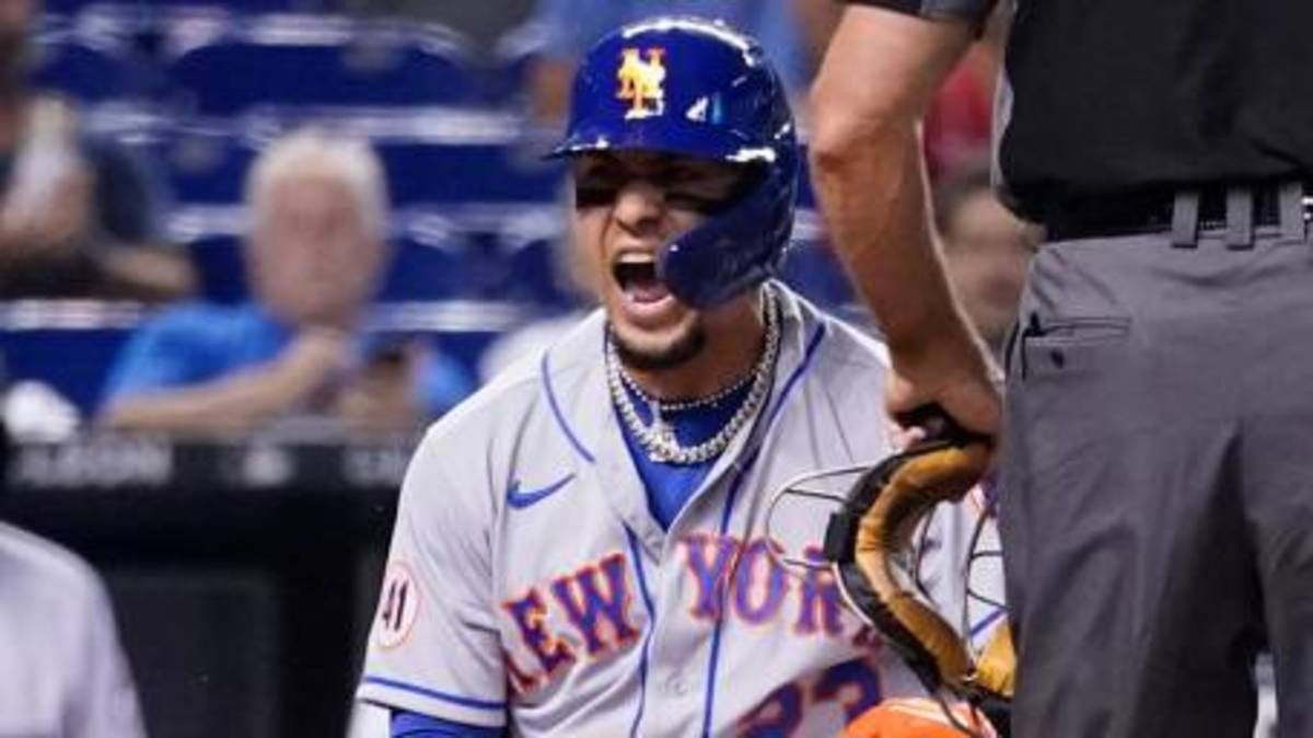 Mets beat Miami 5-3, snap 3 game losing skid. Baez's solo HR was the difference.