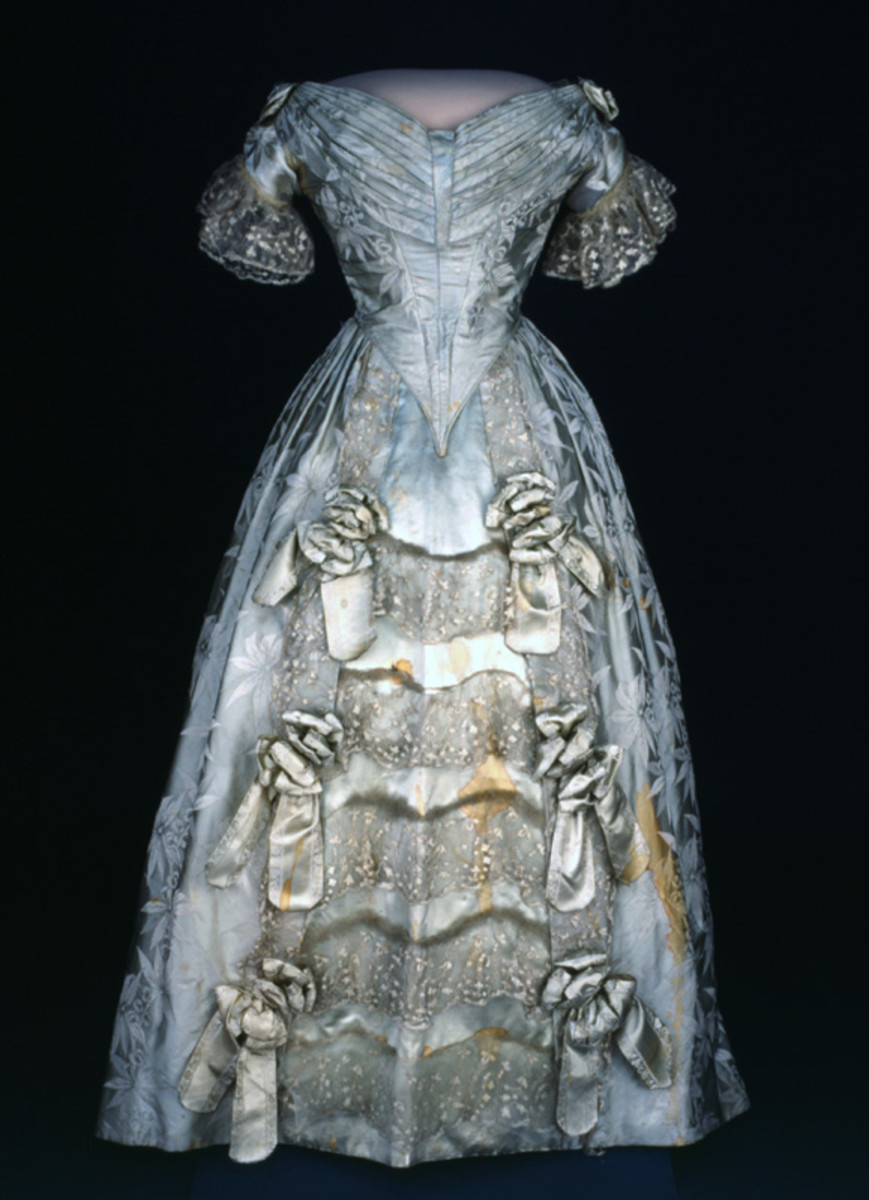 One of Sarah Polk's dresses which is now in the Smithsonian