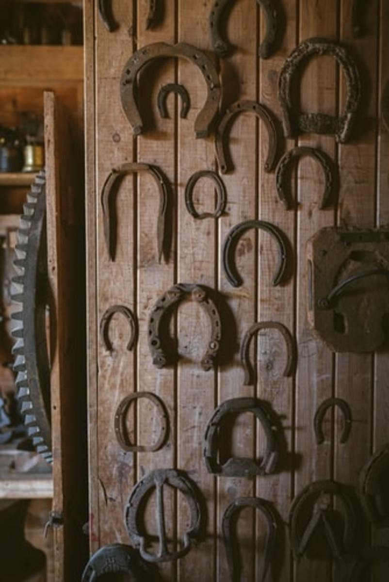 It's said that hanging a horseshoe upside down is a harbinger of bad luck.