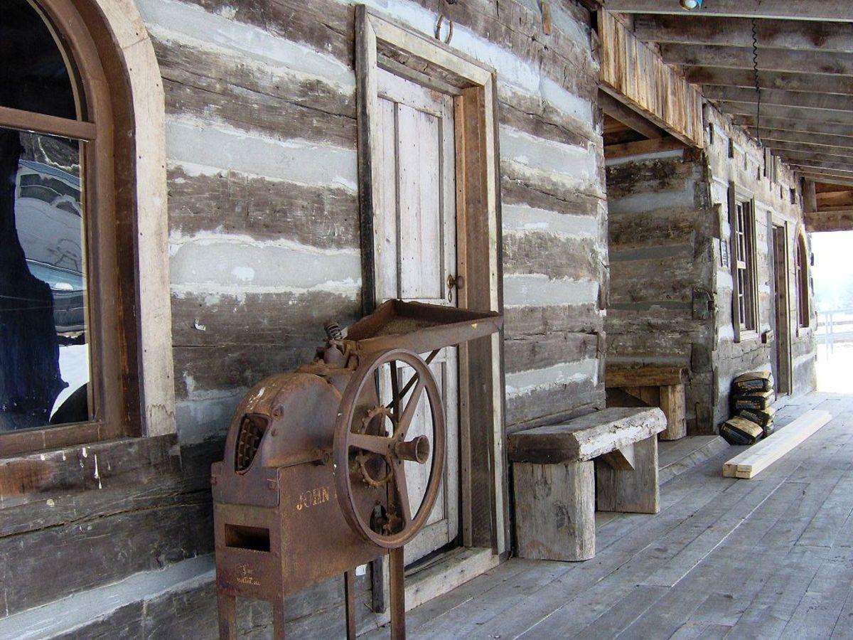 Typical Melangeon Cabin