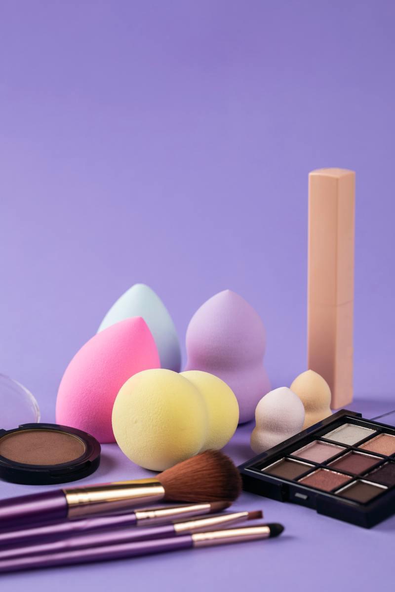 Beauty Blender Pros Vs. Cons