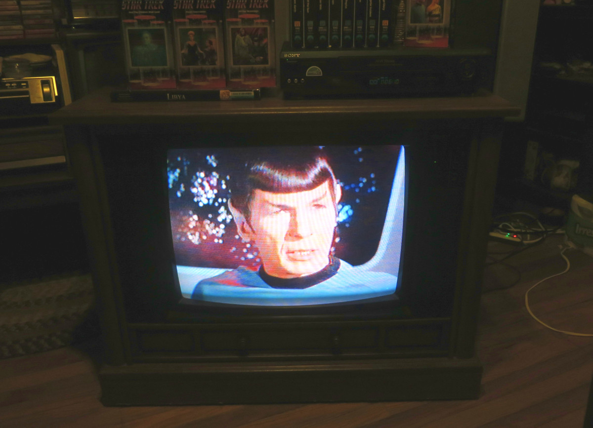 Mr. Spock, playing on the Crosley Color Television 25E510-00AA, The Invaders, The Mutation, Episode Three, VHS tape. .Manufactured August 1994, Date Code 3314W291B. Crosley TV Chassis Model number 25E510-00AA.