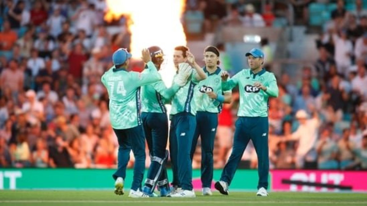 who-is-currently-winning-the-hundred-cricket-tournament