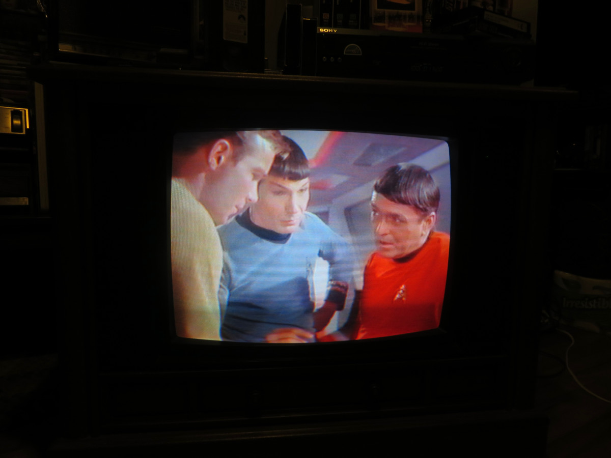 Playing Star Trek, Mudd's Women. Crosley Color Television assembled in Greenville Tennessee. Manufactured August 1994, Date Code 3314W291B. Crosley TV Chassis Model number 25E510-00AA. Made by Philips Consumer Electronics Company, Knoxville, TN.