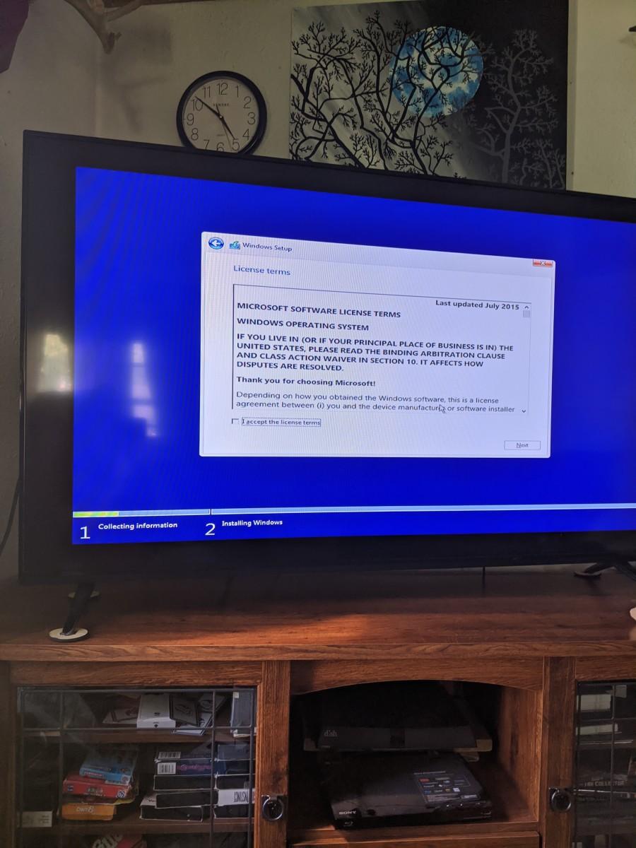 computer-connection-to-laptop-computer-geek-alert