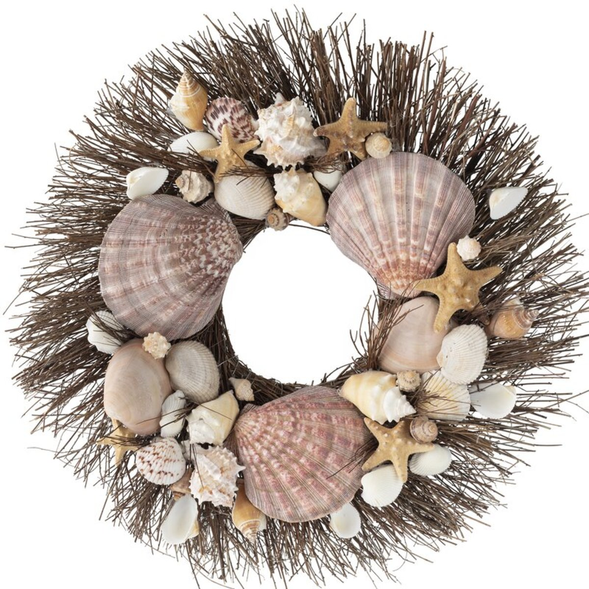 There are many forms you can use as a base for your seashell wreath. The grass form is a popular choice