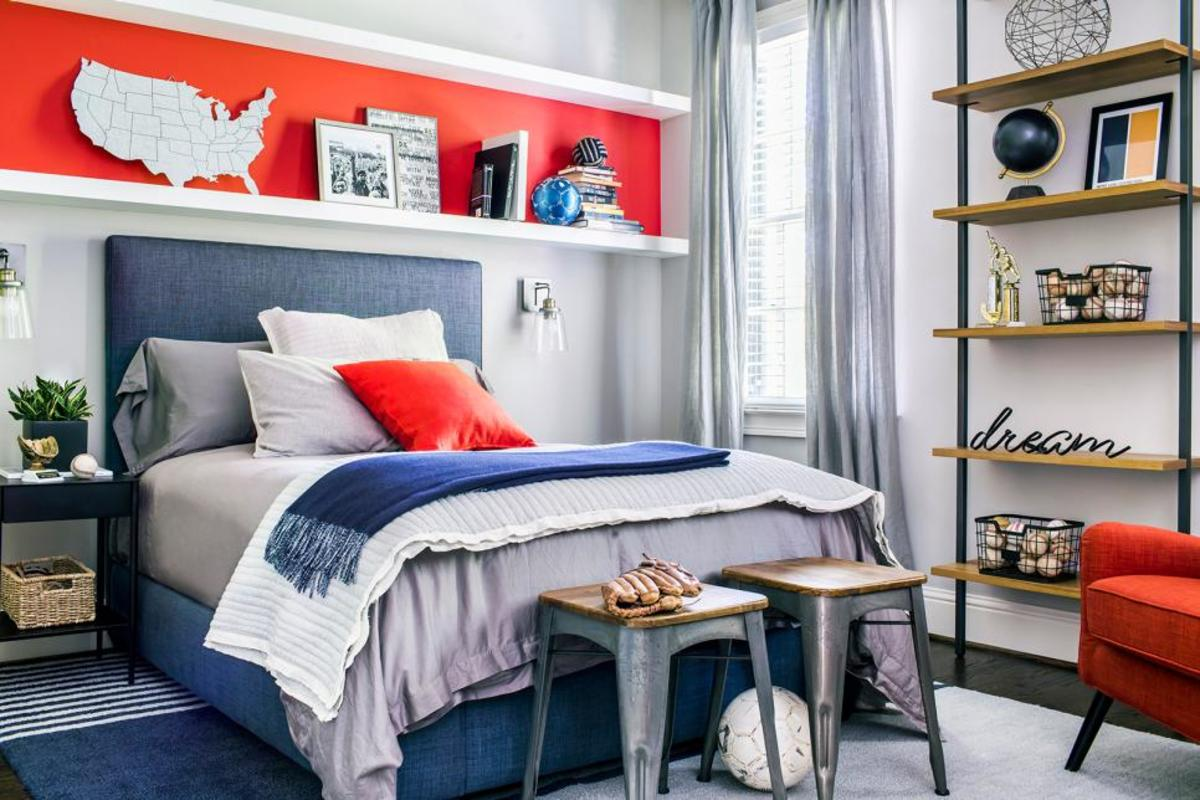 A bright colors pillow accents the center of the bed and brings a youthful energy.