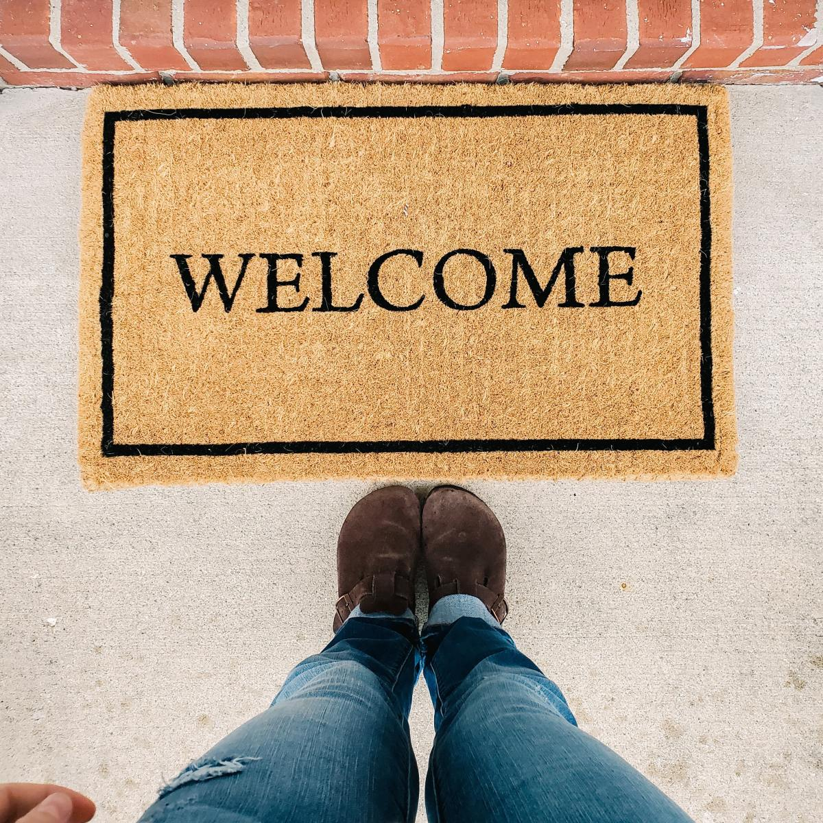 How to Be a Good Houseguest: 7 Tips for Getting Invited Back