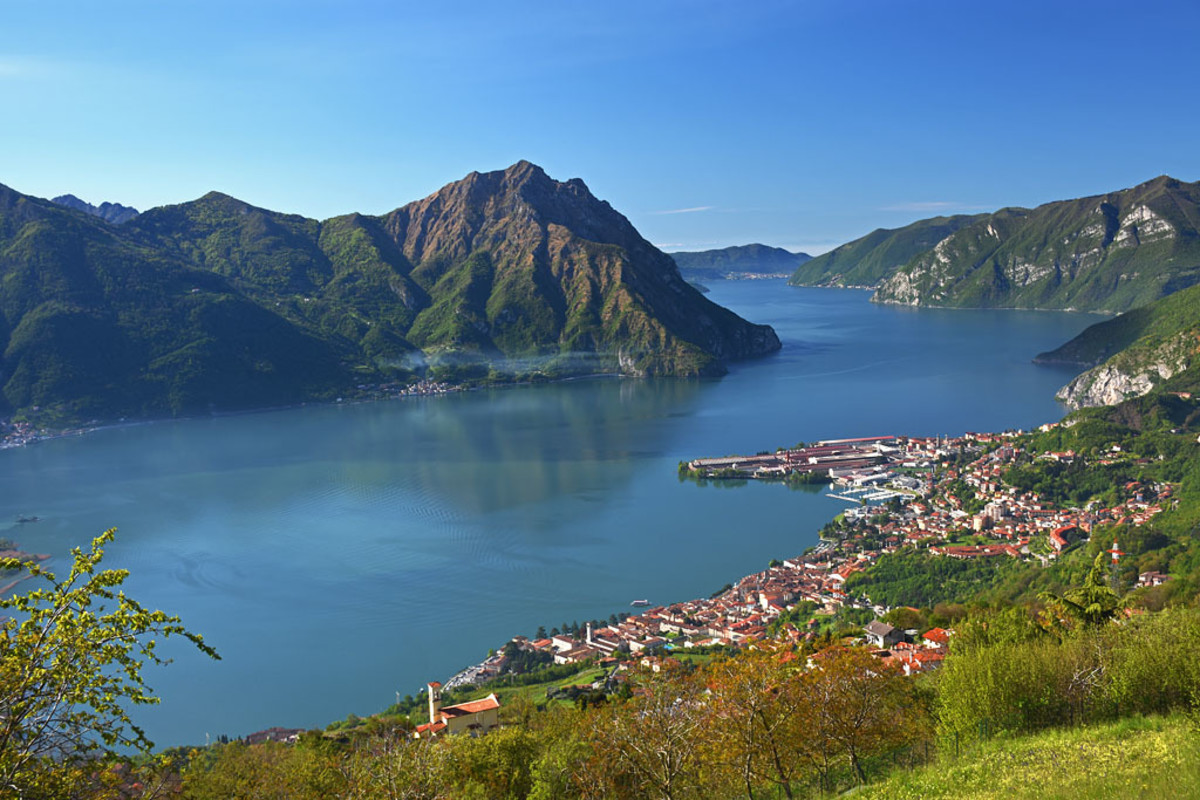 The heart-melting town of Lovere on the north-western shore of the lake