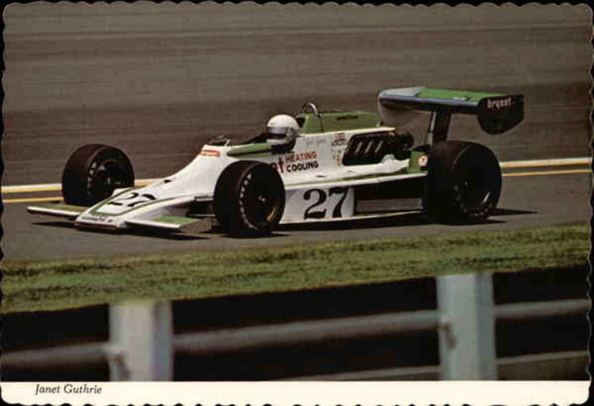 Indy 500期间珍妮特Guthrie赛车
