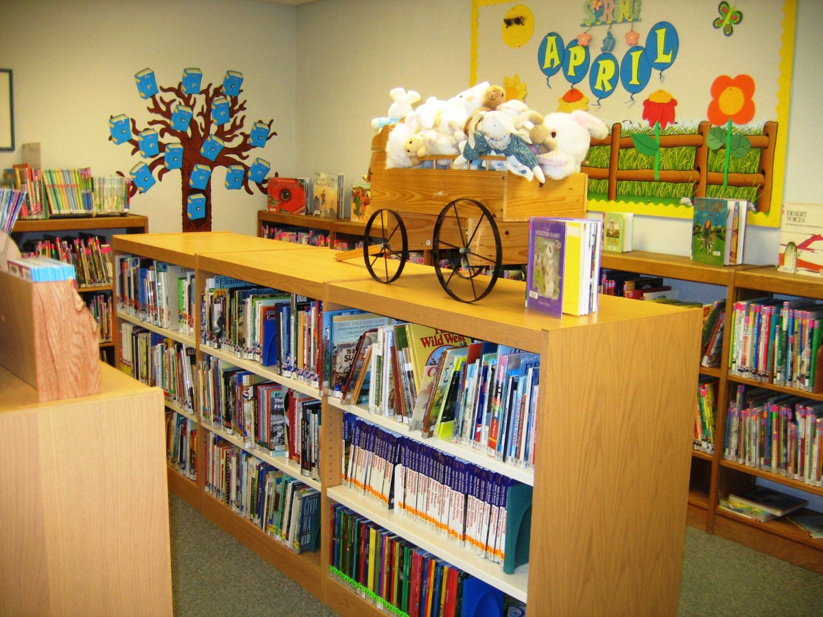 Children's book section of the Wickenburg Public Library.
