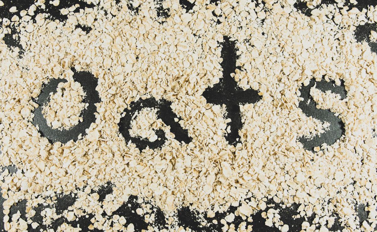 Word OATS written on oats