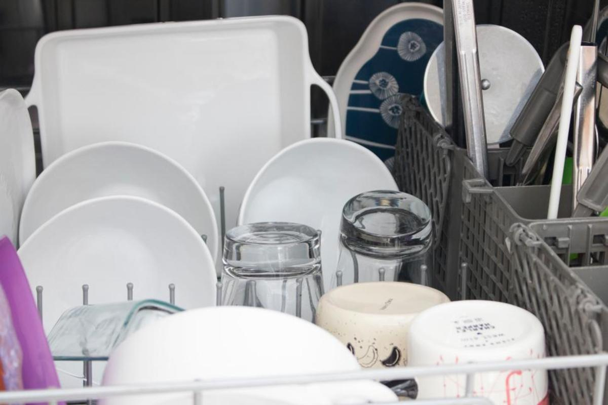 This dishwasher need to wash cycle and the rinse off.