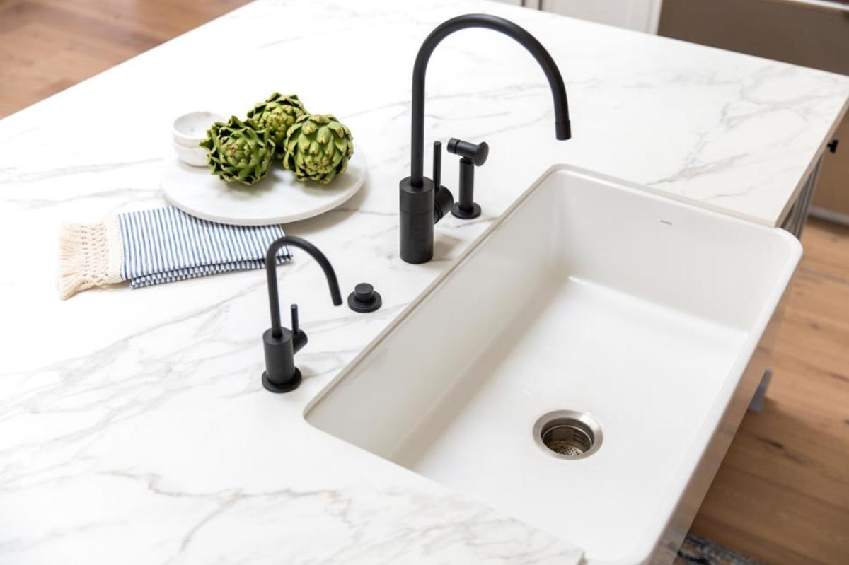Easy to clean. The non-porous white sink is not a stain