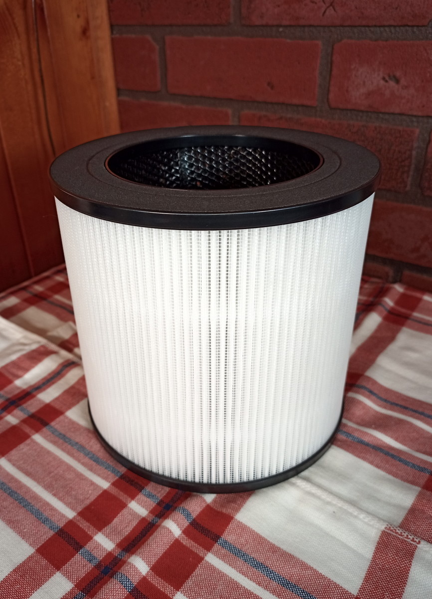 The Medify prefilter screen is wrapped around the main HEPA filter
