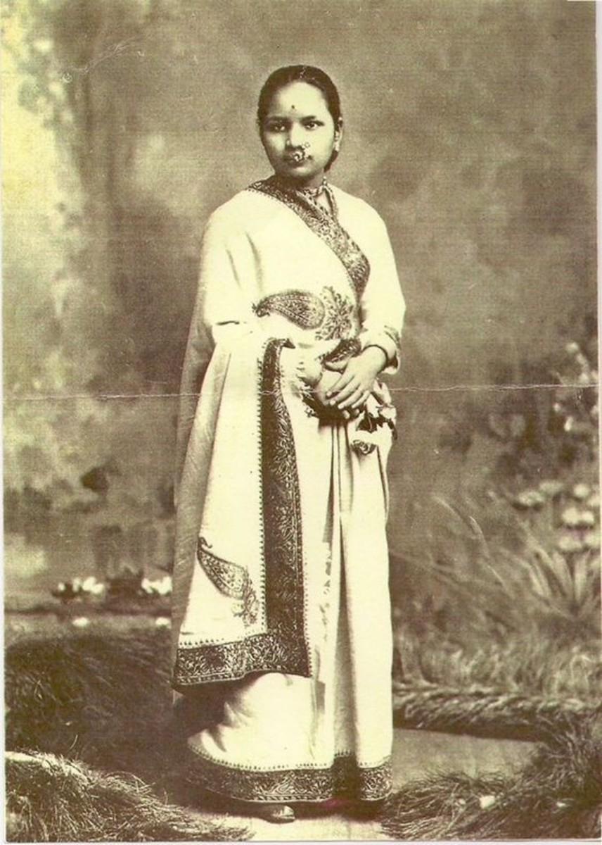 Kadambini became the first women graduates in 1883.